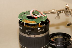 Canon EFS 18-55 Soldering cable on pcb