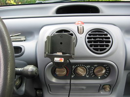 iPAQ holder mounted in car
