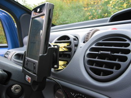 iPAQ sideview mounted in car